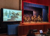 У Любарському районному будинку культури відбулась концертна програма «Армія і народ»