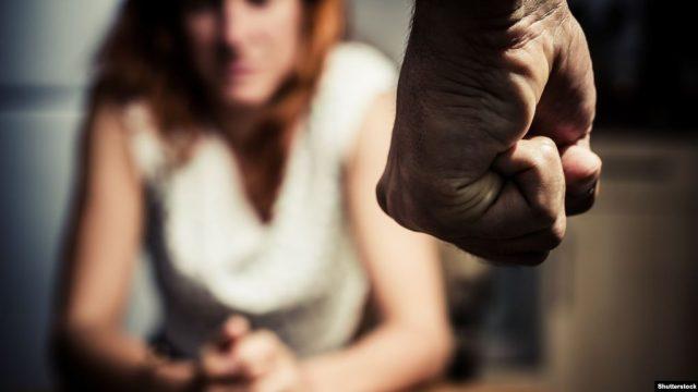 Поліція розслідує побиття чоловіками власних матерів у Любарському та Коростенському районі