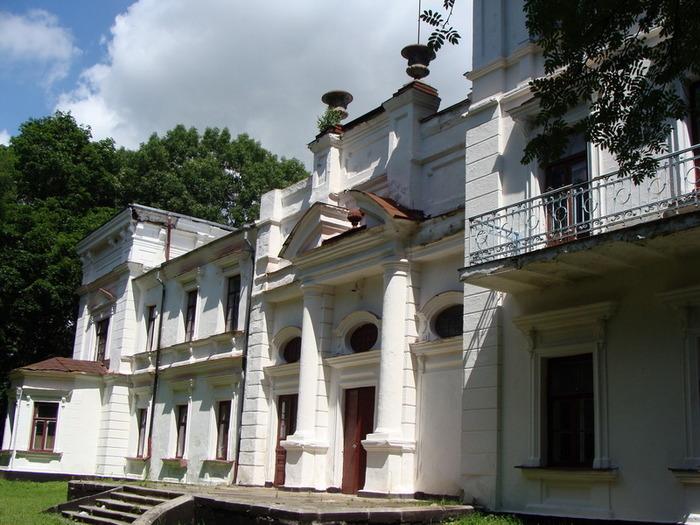 Суд заборонив Новочорторийському агротехнікуму використовувати навчальні корпуси, гуртожиток і підсобні приміщення