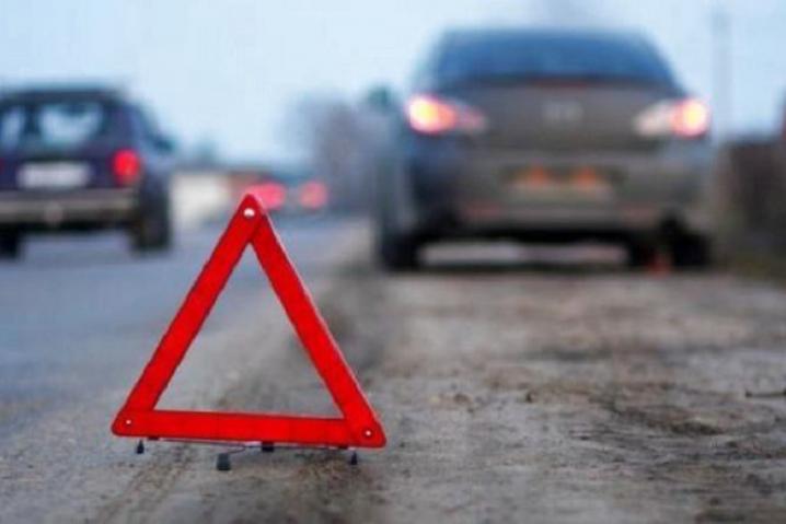 Любарські правоохоронці встановлюють обставини ДТП, з травмуванням пасажира авто