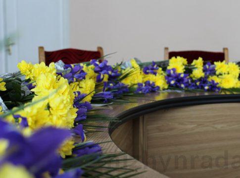 Учасники АТО з Любарщини привітали з 8 березня матерів своїх загиблих побратимів