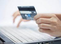 У Любарському районі 36-річний чоловік вкрав гроші з банківської без самої картки