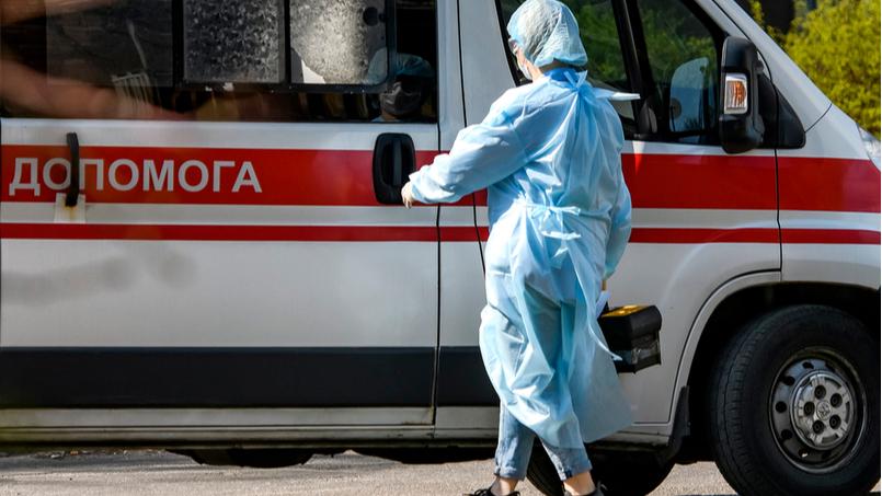 Держпраці проводить спецрозслідування щодо летального випадку від COVID-19 у Любарському районі, де помер водій «швидкої»