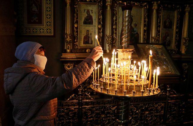 У Любарському районному суді розглянули справу священника, який провів богослужіння з порушенням карантину