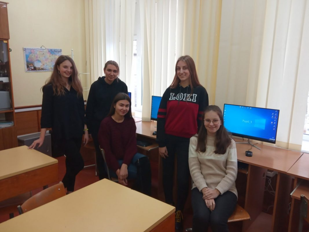 Школярки з Любара здобули ІІІ місце на обласному конкурсі з інформатики