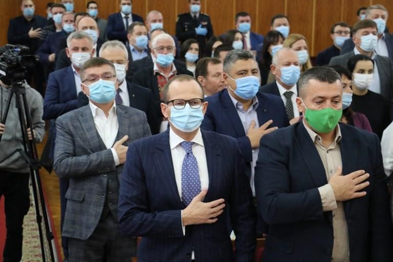 Новообрані депутати Житомирської обласної ради 27 листопада провели першу сесію