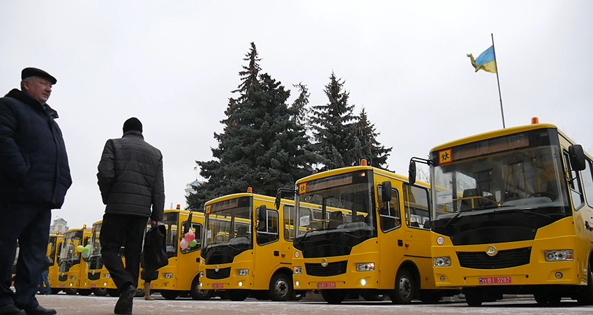 Любарська громада отримала новий шкільний автобус
