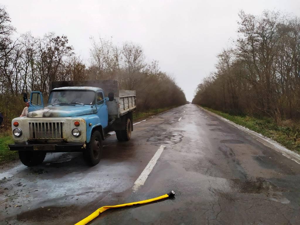 На Любарщині в дорозі загорілася вантажівка