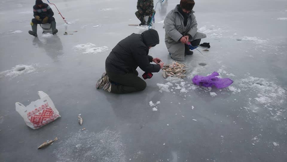 У Любарі пройшли змагання із зимової риболовлі