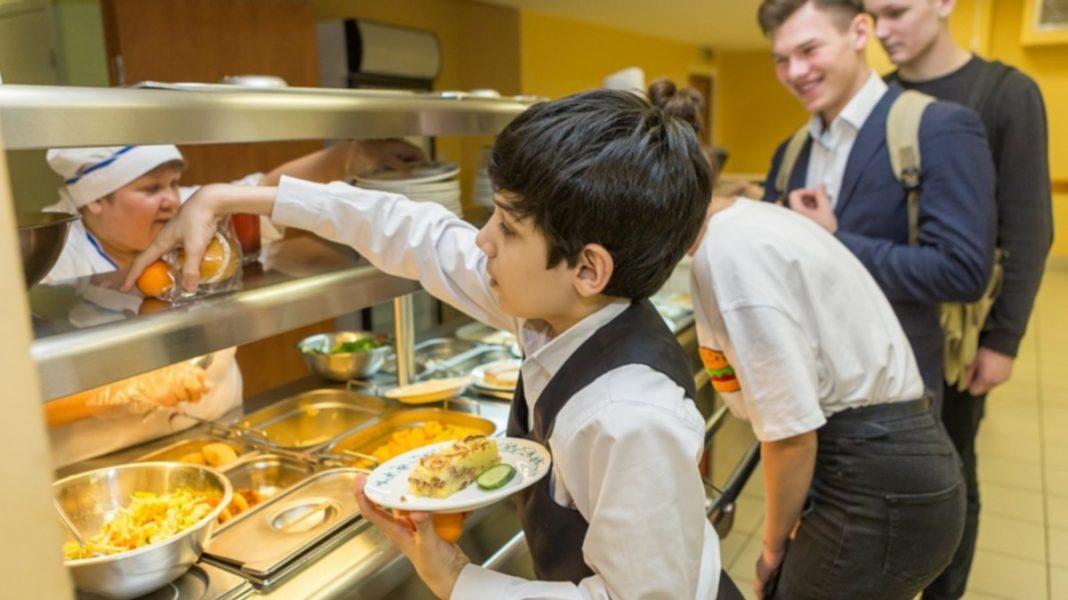 Система харчування у школах змінюється. Чим тепер годуватимуть дітей?