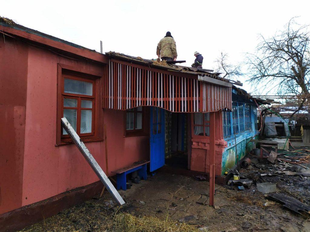 На 8 березня в Любарському районі ледь не згорів жилий будинок