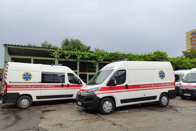 Медики Любара отримали новий автомобіль «швидкої допомоги»