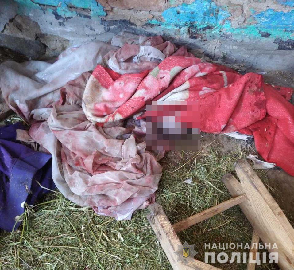 До Любарської лікарні ушпиталили жінку після самостійних пологів, в її будинку знайшли мертве немовля