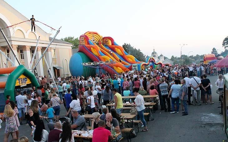 На День Любара 5 вересня запрошують усіх бажаючих взяти участь у виїзній торгівлі