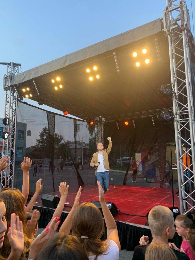 У Любарі відбулося святкування Дня Незалежності, організоване меценатом Ігорем Ходаком