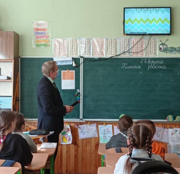 Любарським школярам ювенальний прокурор розповів про права дитини