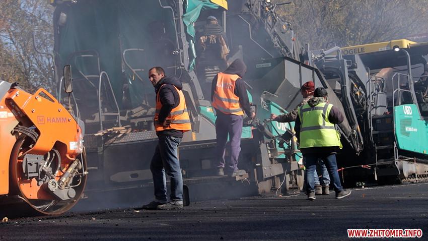 Між Любаром і Чудновом триває капітальний ремонт 13 км автошляху Житомир-Чернівці